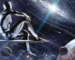 Toda a humanidade de um Alienígena Prateado